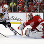 Red Wings down Blackhawks to take 2-1 series lead