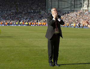 Alex Ferguson acknowledges fans at The Hawthorns in West Bromwich, on May 19, 2013