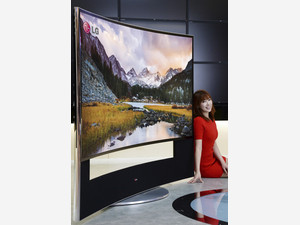 Samsung, LG to unveil 105-inch curved TVs