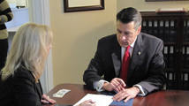 Sandoval files for 2nd term with no big opponent