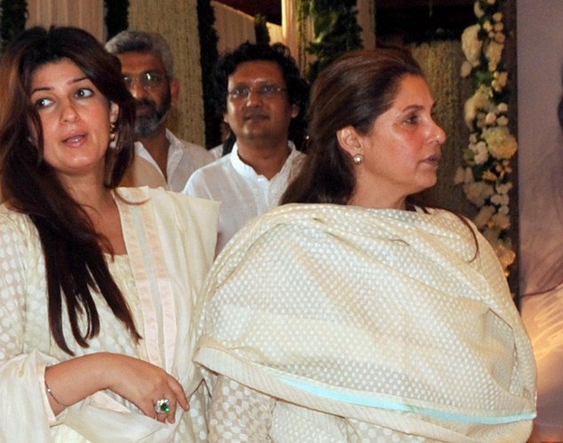 Indian Bollywood actress Dimple Kapadia (R), with daughter Twinkle Khanna, attends a prayer function in memory of her late husband and actor Rajesh Khanna.