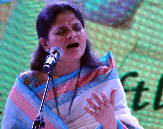 Devki Pandit performs during the commemoration by the Sri Sathy Sai Seva Organization Maharashtra and Goa of the first Maha Samadhi anniversary of Bhagawan Sri Sathya Sai Baba in Mumbai.