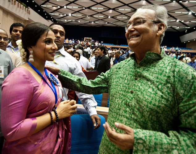 Vidya Balan (L) talks with Soumitra Chatterjee during the 59th National Film Award in New Delhi.