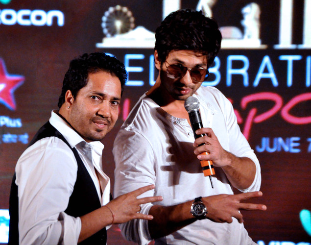 Shahid Kapoor (R) and playback singer Mikka Singh attend the press conference for the announcement of the 'IIFA Awards 2012' ceremony in Mumbai.