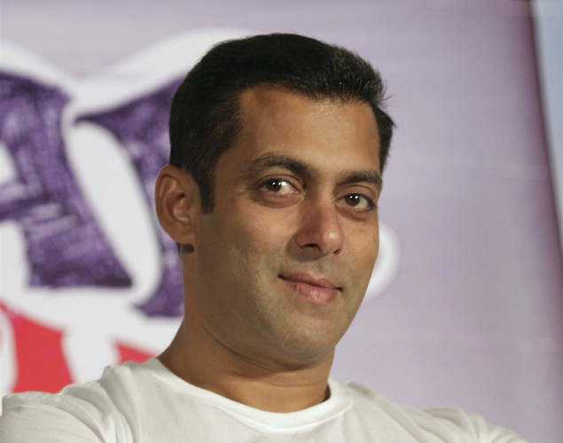 "King Khan in an interview had said that Salman got angry because he turned down a cameo in Main Aur Mrs Khanna (while Salman agreed to do a guest appearance in Om Shanti Om). Salman in turn said he never offered him the film, adding, ""Shah Rukh was like my brother. He used to call me sir, sir during his struggling days."""