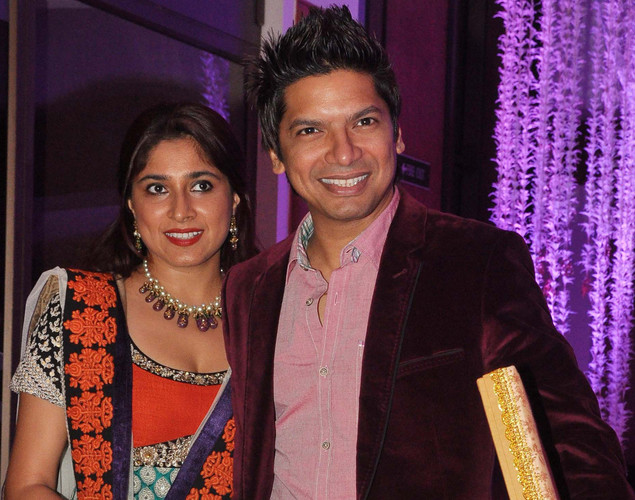 Bollywood playback singer Shaan with wife attend the wedding reception of playback singer Sunidhi Chauhan and musician Hitesh Sonik.