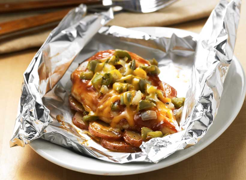 9_BBQ-Chicken-Foil-Dinner-Packet_Simple-Guide-to-Grilling_Hebrew-National_March-2015.jpg