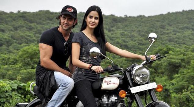 Road trip drama sweeps awards at 'Bollywood Oscars'