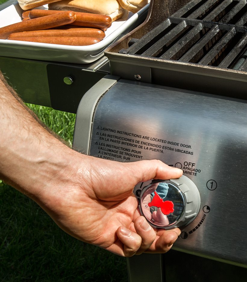 Preheating a Gas Grill