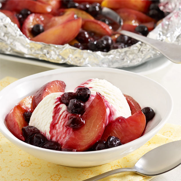 Grilled Peach and Blueberry Foil Packet Recipe